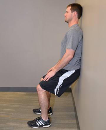 wall squats photo